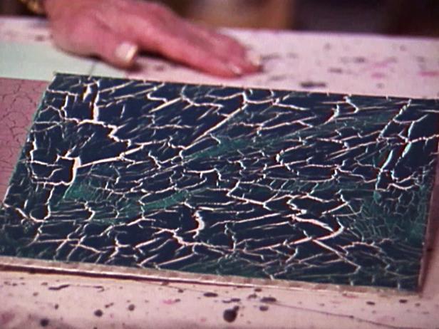 Hướng dẫn tự tạo hiệu ứng sơn giả nứt – Crackle Paint