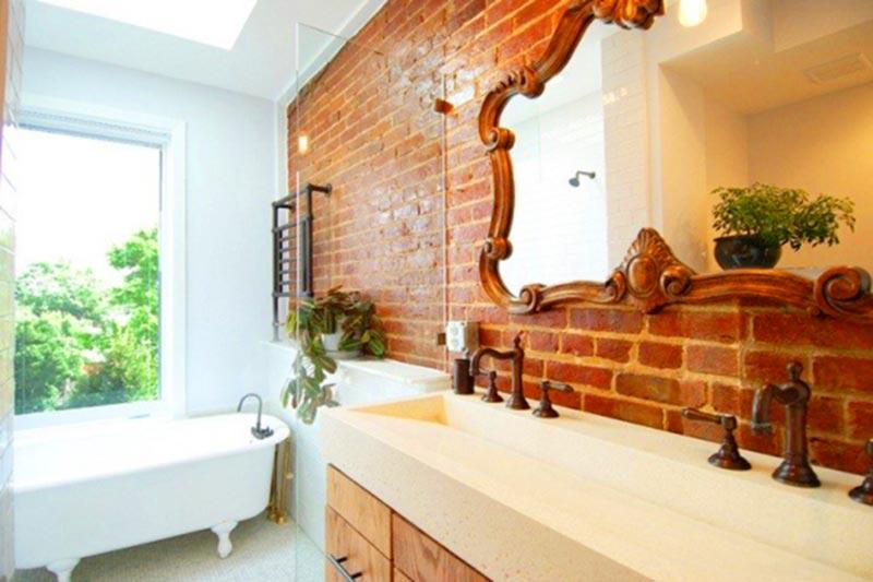 Phòng tắm xây bằng gạch mộc